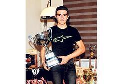Bereits 294 Pokale mit erst 15 Jahren
