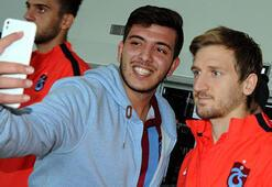 Trabzonsporu havalimanında sadece bir taraftar karşıladı
