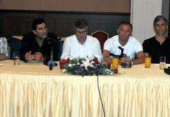 Trabzonsporda teknik kadro basınla buluştu