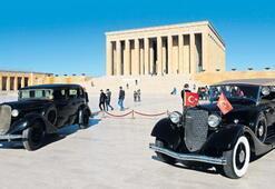 Atatürk'ün tören otomobili tekrar sergileniyor