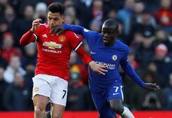 Manchester United, Chelseayi yıktı