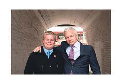 Wikileaks'e FBI köstebek sokmuş