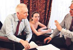 Assange'ın sağ  kolu ajanlık yapıyor