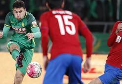 Beijing Guoanın galip geldiği maçta Burak Yılmaz iki gol birden attı