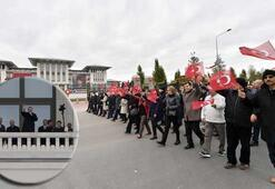 Erdoğan vatandaşları balkondan selamladı