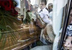 Cenazeye figüran 32 lira