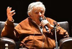 Sanat Merkezinde Eski Başkan Mujica izdihamı