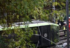 Londrada tramvay kazası: 5 ölü