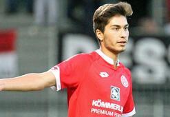 Mainz 05, Suat Serdarın sözleşmesini uzattı