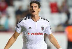 Gomezin milli takıma yeniden çağrılması İngiliz basınında gündem oldu