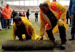 Samsun 19 Mayıs Stadında çim serme işlemi başladı