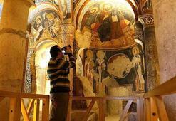 Kapadokyadaki bin yıllık freskler turistleri büyülüyor