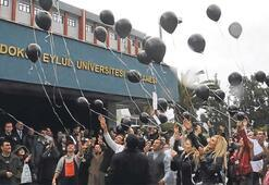 Sağlık politikalarına balonlu protesto