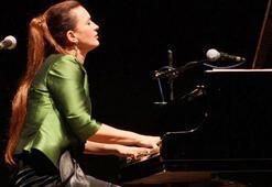 Anjelika Akbar, Türkiye aşkını şarkılarıyla anlatacak