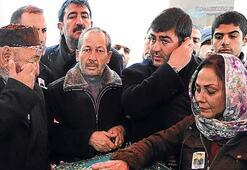 Azer Bülbül'e miting gibi cenaze töreni