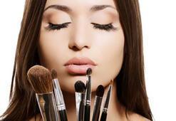 Tarihi geçen kozmetikler zehir saçıyor