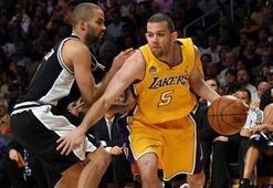 Farmar Lakersa döndü