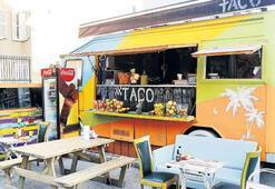 Minibüste taco ve kahve servisi