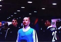 Gomez ve Podolski büyük şokta Stattan çıkamadılar...