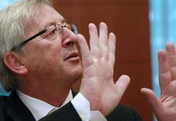 Juncker: Euro Bölgesi resesyonun kıyısında