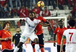 Antalyaspor bir atıp 3 alıyor