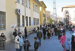 Deprem riskli okullar yıkılıyor