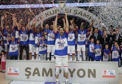 Kupada şampiyon Anadolu Efes