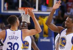 Golden State Warriors en iyi sezon rekoruna koşuyor