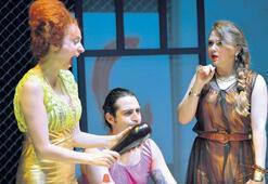 Türk-Yunan dostluğu sahnede bir arada
