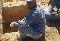 Ev temeli kazarken buldular