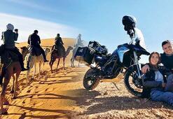 Sahra Çölü'nde iki teker tutkusu