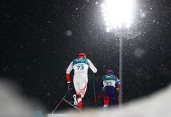 Erkekler kayaklı koşuda altın Colognanın