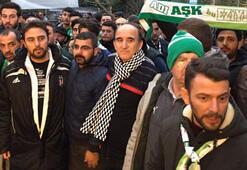 Bursasporlu taraftarlar, terör olayının yaşandığı noktaya karanfil bıraktı