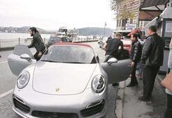 Caner Erkin arabayı Asenadan aldı