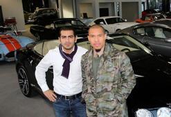 Galerici De Jong Yıldızlara araba satıyor...