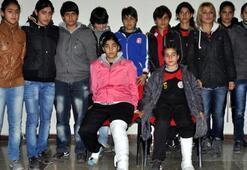 Olaylı maçta 2 futbolcunun ayağı kırıldı