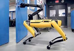 Kapı açan robot