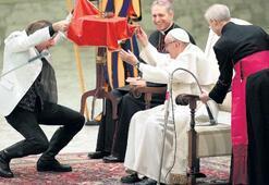 Papa'ya ilüzyon