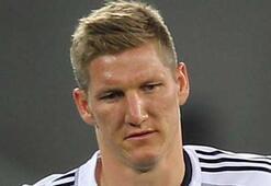 Almanyada yılın futbolcusu Schweinsteiger