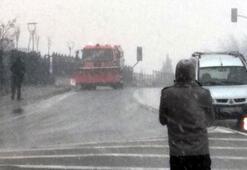 İstanbulda kar yağışı zaman zaman tipi şeklinde etkisini gösteriyor