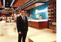 Turkcell Kanyon'daki yeni mağazasıyla  rol model olacak