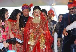 Hintli çifte, Antalyada masalları aratmayacak düğün