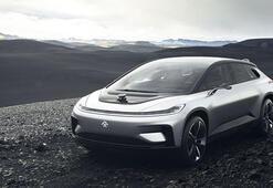 Faraday Futureın otomobili tanıtım sırasında bozuldu