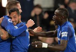 Everton ikinci yarıda açıldı Cenk...