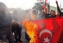 Irakta Türk bayrağı yaktılar
