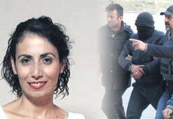 Zabıt katibi kadını bıçakladı