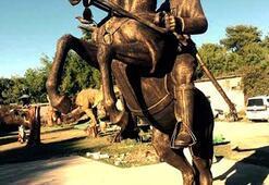 Kemerden Laptaya Atatürk heykeli