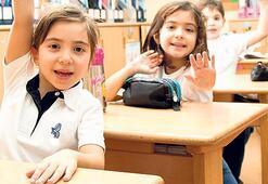 Yeni müfredat  eğitimcileri böldü