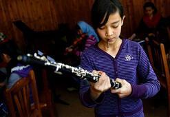 Afganistan'ın ilk kadın orkestrası Davos'ta