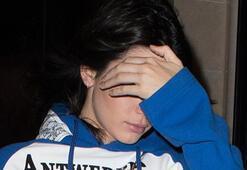 Kendall Jenner yüzünü gizledi